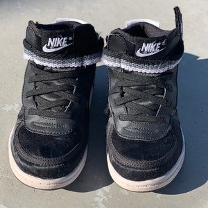 Nike Toddler Velcro Shoes